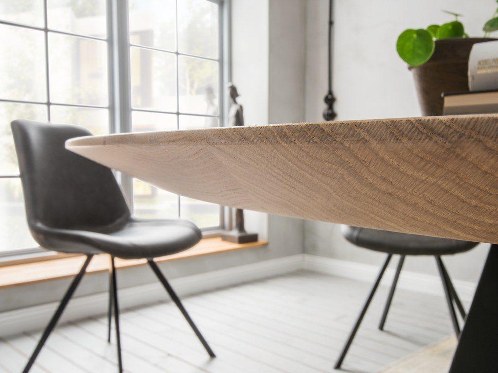 Bild einer schweizer Kante beim Esstisch Stiletto