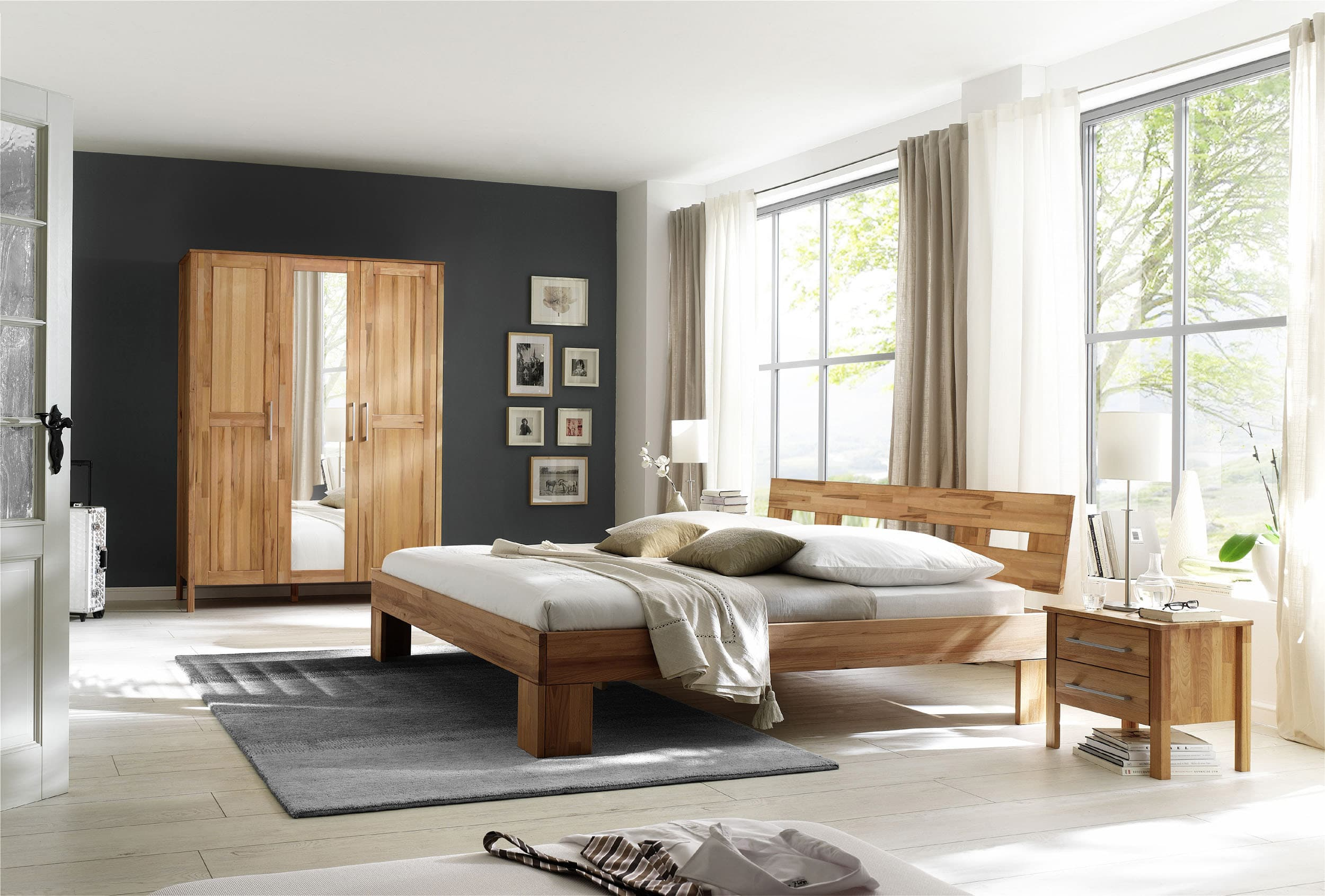 schlafzimmer kernbuche massiv modesty komplett 180. Black Bedroom Furniture Sets. Home Design Ideas
